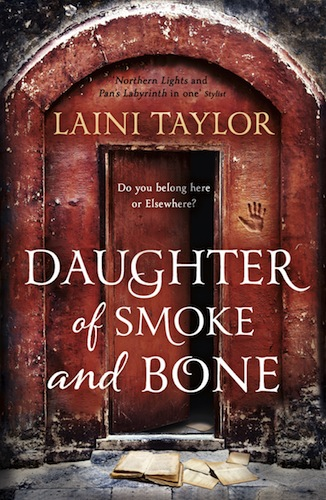 Daughter of Smoke and Bone (Daughter of Smoke and Bone, Book 1)
